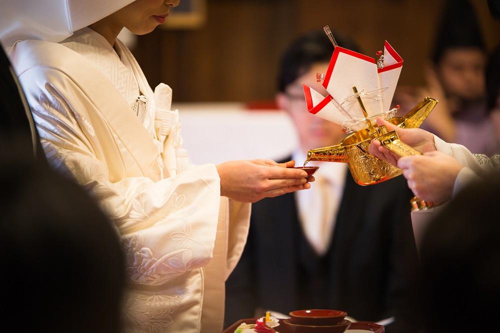 現代スタイルの「祝言」で楽しく温かい結婚式を