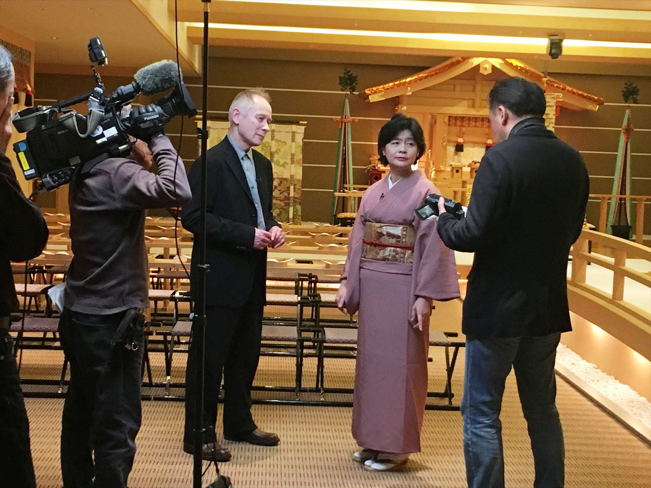 本誌編集長がNHKワールドに出演!<br>世界150ヵ国に向けて日本の結婚式をアピール