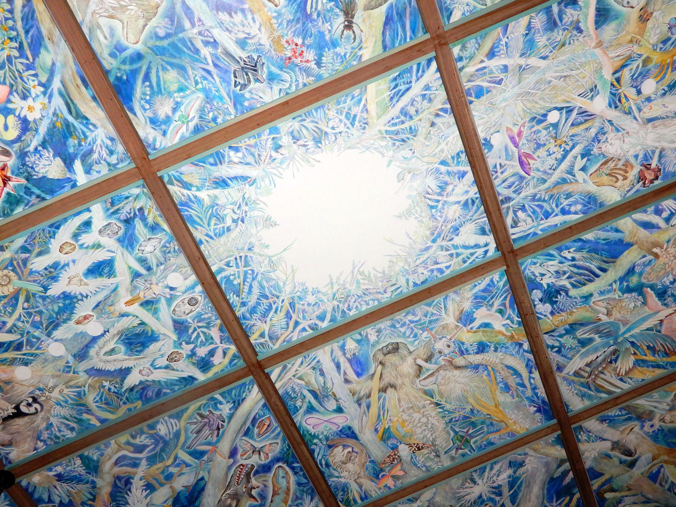 現代アート作家が描く、生命の天井画のある神社でパワーを頂く