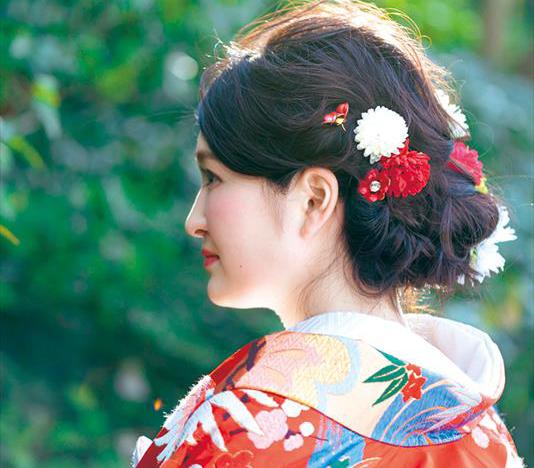 【先輩花嫁の和装snap】<br>和装花嫁の髪型~かわいい洋髪スタイル